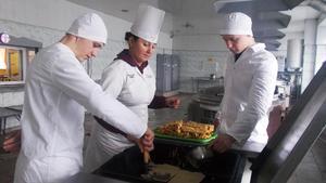 Вихованці Кременчуцької виховної колонії пригощалися млинцями