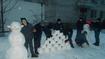 Після снігопаду хлопці Кременчуцької виховної колонії наліпили кумедних сніговиків