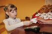 Николаевские школьники могут рассчитываться за обеды электронными деньгами,  а родители - контролировать расходы детей на питание