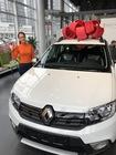 Победитель акции «EVA рулит» получила самый большой в жизни новогодний подарок — автомобиль