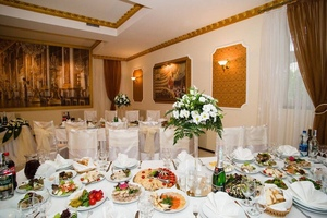 Осенняя свадьба мечты в «Потемкинском»: романтично,  вкусно и атмосферно