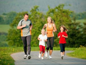 Мама,  папа,  я – спортивная семья!