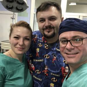 Аби Доктора Стренджа оперували у Черкасах,  він лишився б взяти кілька уроків у своїх черкаських колег
